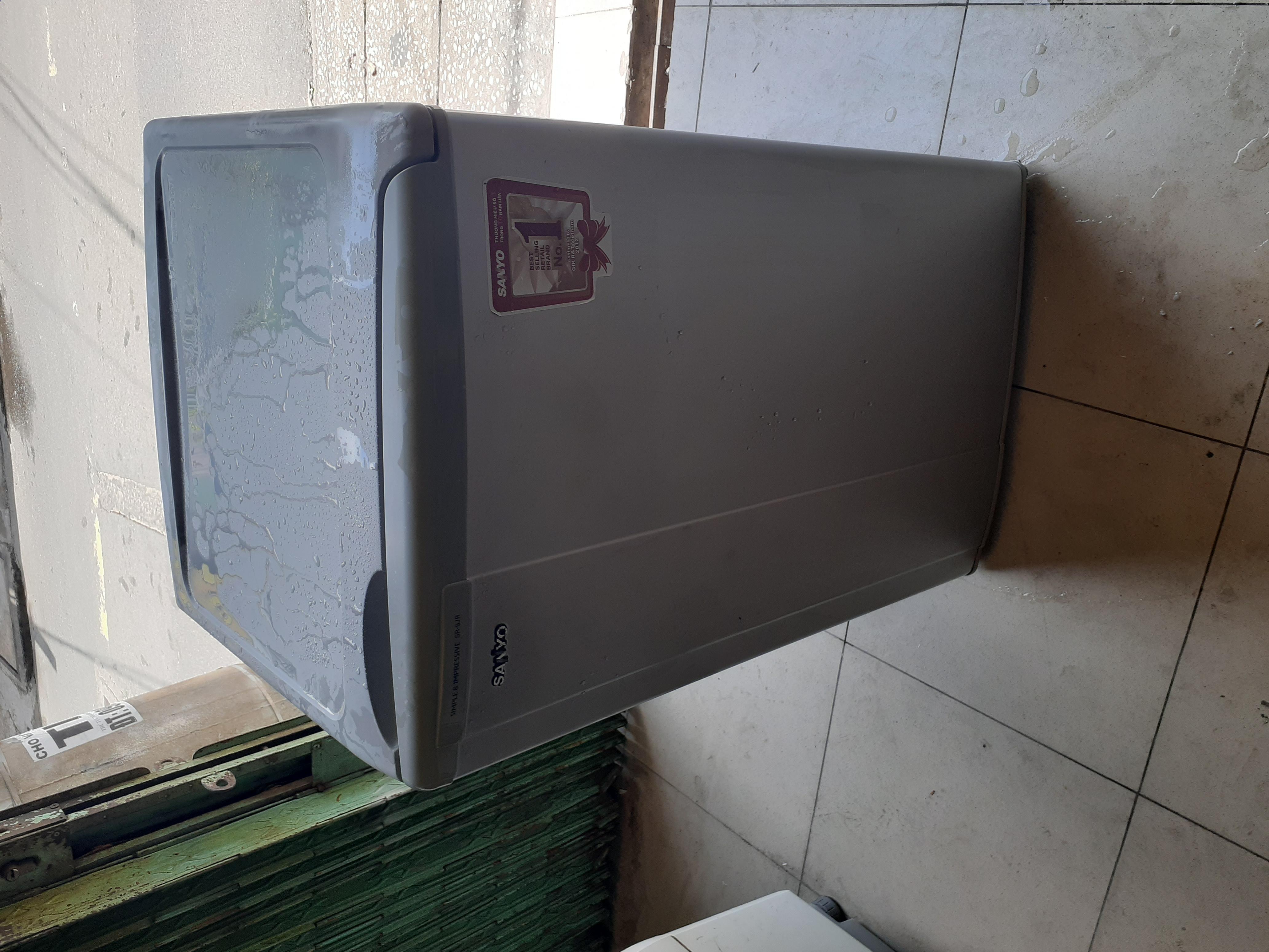 Tủ lạnh cũ sanyo 90l new 90%