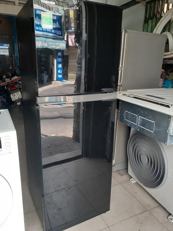 Tủ lạnh cũ Toshiba inverter 233 lít
