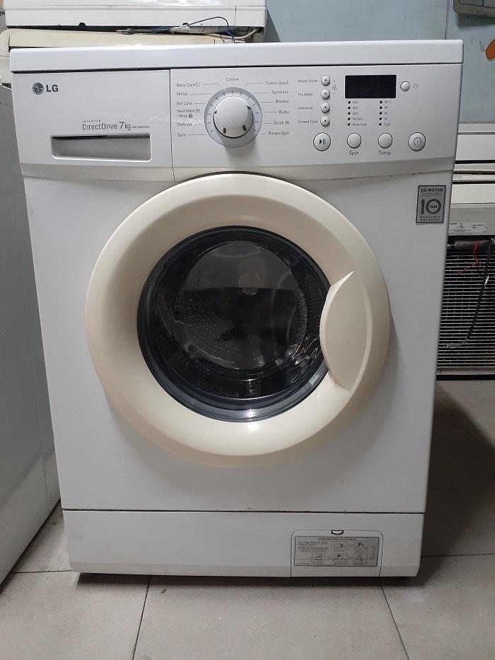 Máy giặt cũ LG inverter 7kg zin...giá 3tr200k