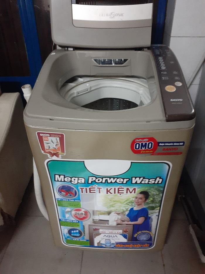Máy giặt cũ sanyo 7kg lồng nghiêng...giá 1tr800k
