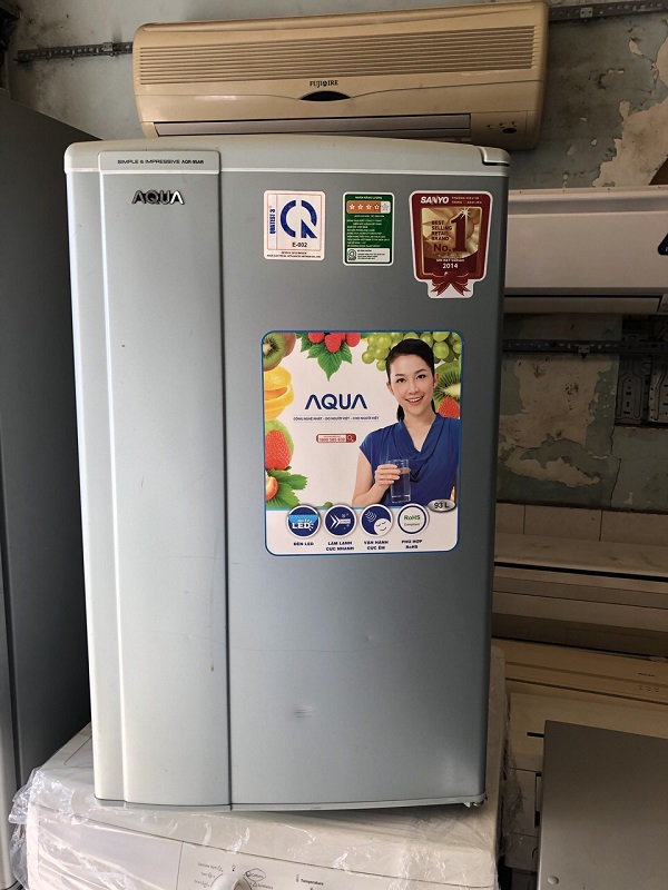 Tủ lạnh aqua 93l new 99%