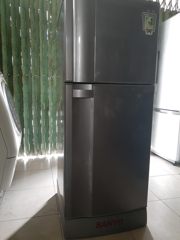Tủ lạnh cũ sanyo 170 lít new 90% giá 1tr800